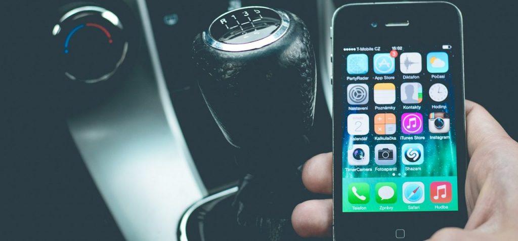 coche conectado smartphone