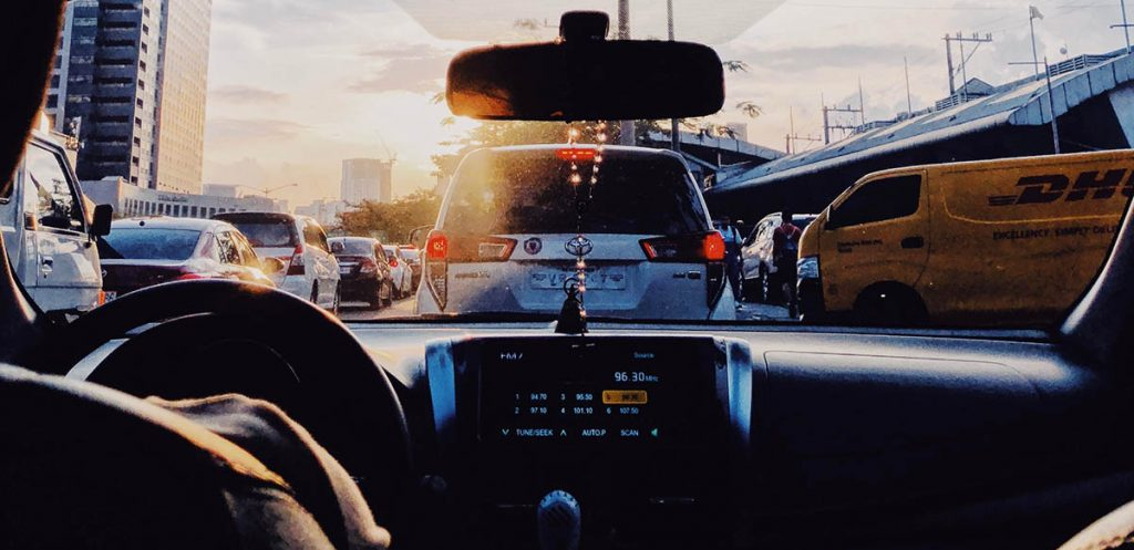 Photo of a traffic jam seen from the inside of a car