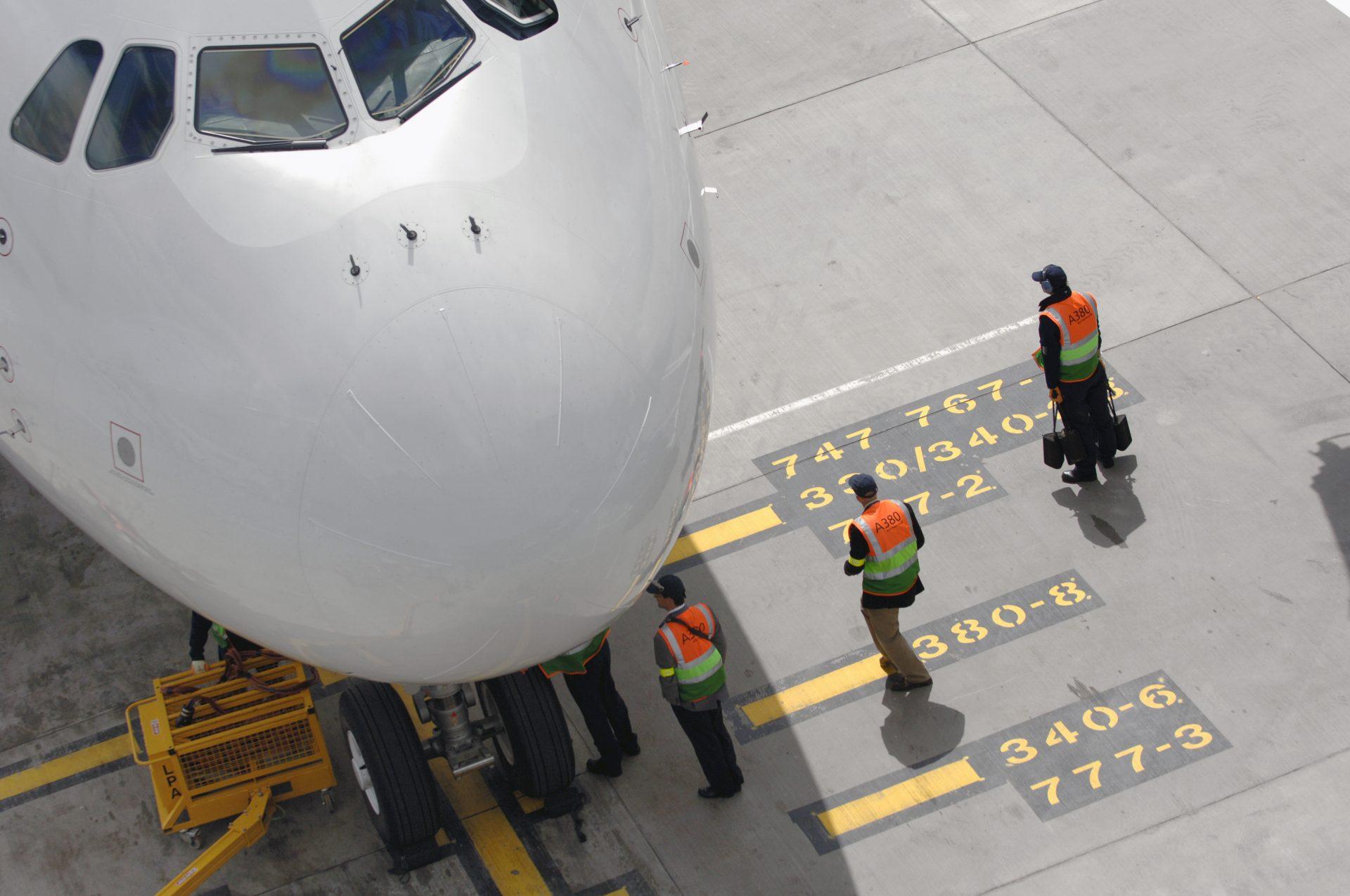 centro de excelencia de aeropuertos pista del aeropuerto de Heathrow en Londres