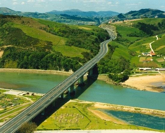 desempeño-medio-ambiental-viaducto-de-orio-autopista-bilbao-ferrovial