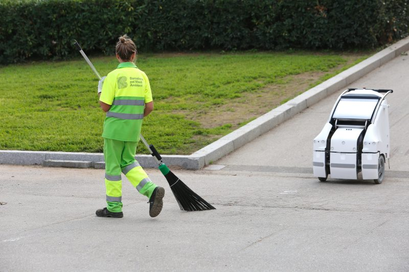 Street Cleaning Robot