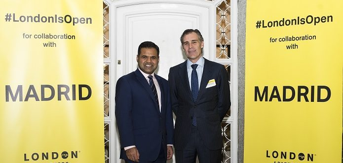 Rajesh Agrawal, Deputy Mayor of London fur Business, and Santiago Oliavres, CEO of Ferrovial Services during the presentation of Londoners' Lab, reciclying in London