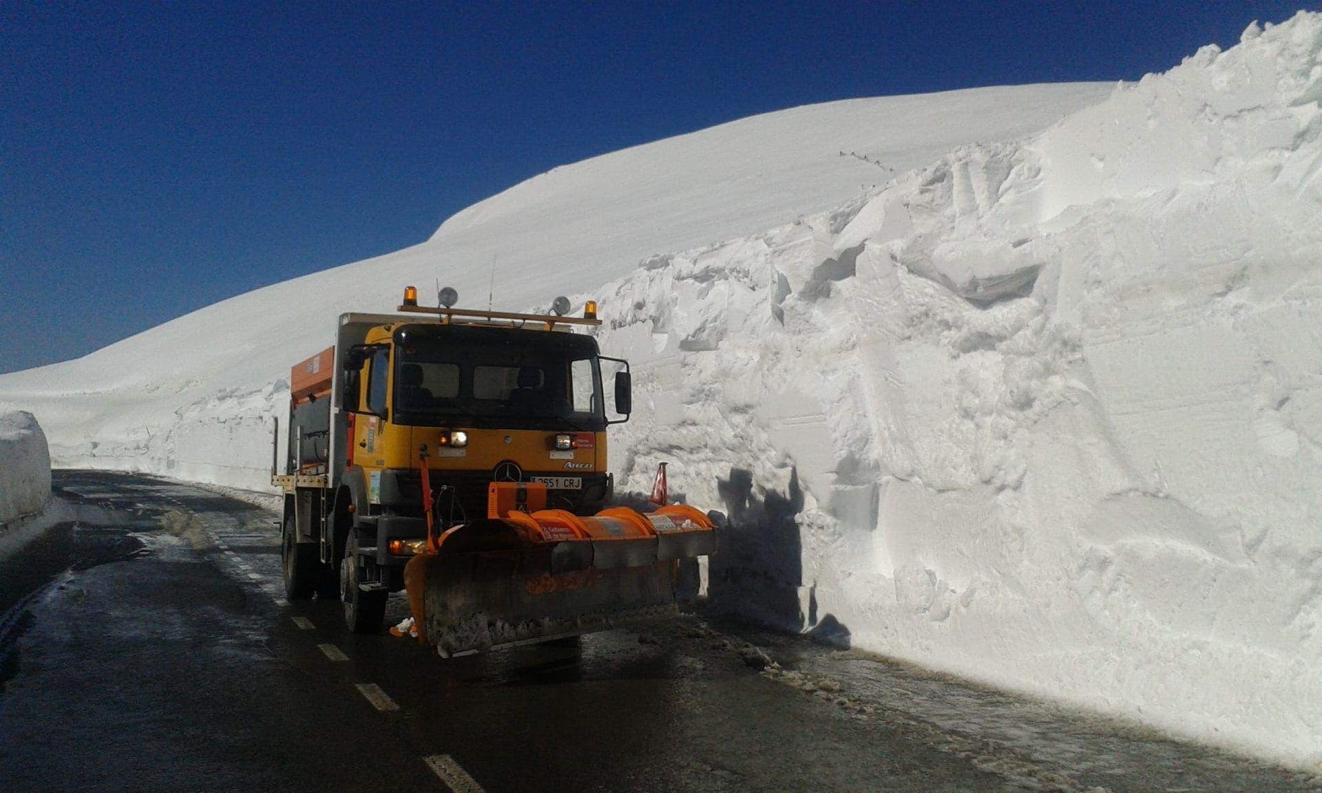 quita nieves carreteras españolas