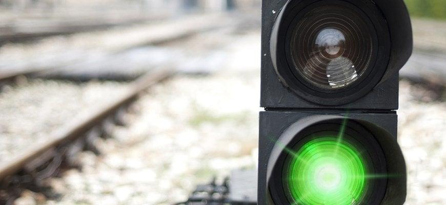 Ruta ferroviaria leeds y manchester transpennine semáforo verde