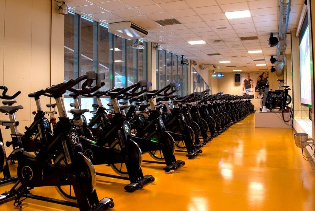sport services ciclo indoor persons with limited mobility inclusion