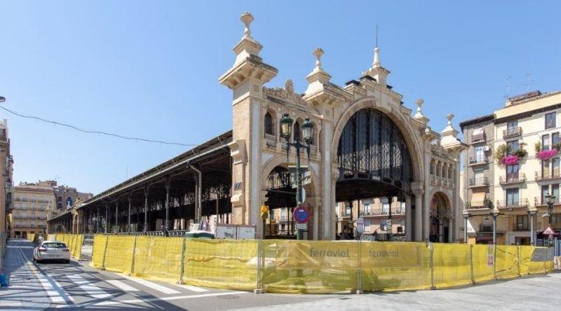 Exterior de la obra de rehabilitación del Mercado Central de Zaragoza