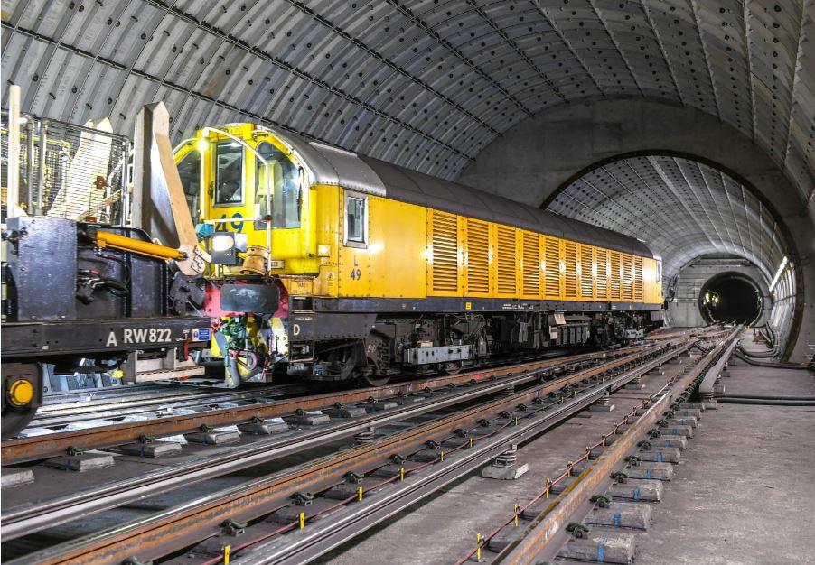 NLE Primer tren 2018 lateral