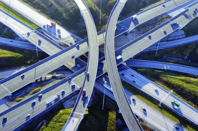 Vista aerea de la confluencia de niveles en la autopista 407