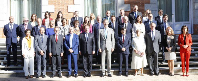 Foto de los asistentes a la audiencia real de Forética con el Re Felipe VI