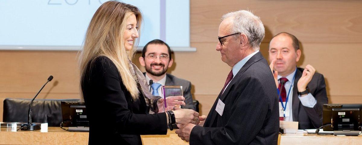 Entrega premio a Francisco Polo informe Reporta