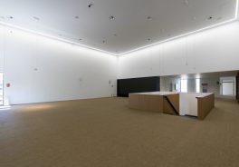 Image of the anteroom of the Paraninfo of the Cardenal Herrera University of CEU