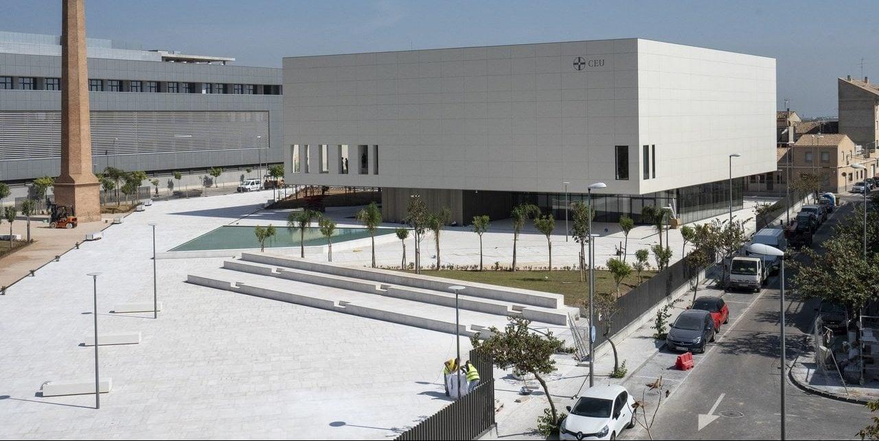 Imagen del exterior del Paraninfo de la Universidad Cardenal Herrera de CEU