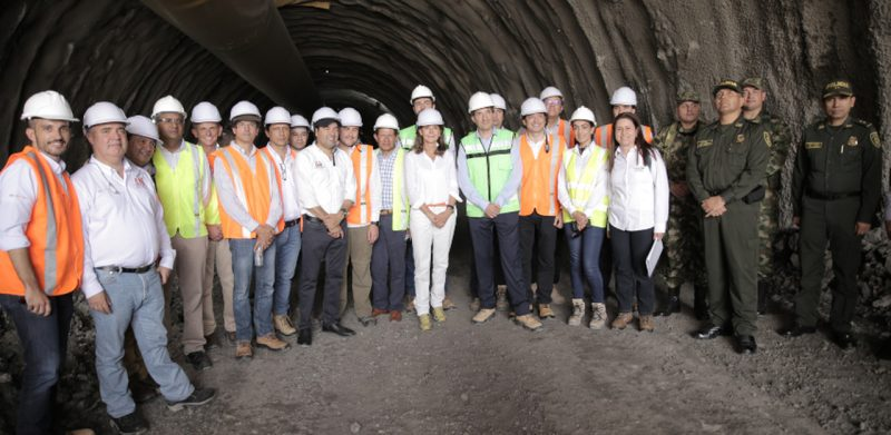 Image of the vice president of Colombia during the visit to the cocoa route