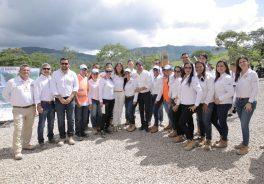 Imagen de grupo de la visita de la vicepresidenta de Colombia a la ruta del cacao